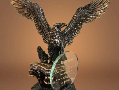 """LASCO recibe el premio """"Eagle Award"""" de Velvac por ser la agencia con mejores ventas en el año fiscal 2018"""